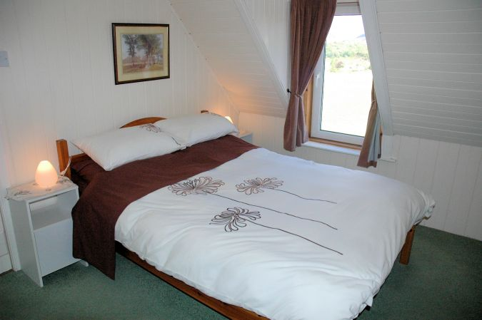 Bruaich Cottage has 3 bedrooms and will sleep up to 5 people.