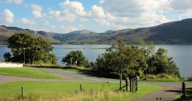 Strathardle stands in an elevated position above Croft Road, Lochcarron, and has magnificent views to the south.